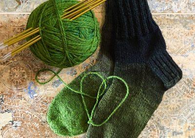 Grüne Socken mit Verlauf | Stricken |Beeja strickt